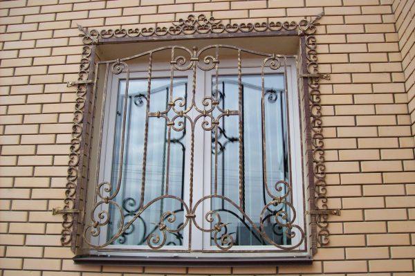 Решетка на окно кованая ХК-РО-31