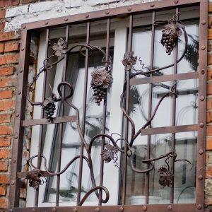 Решетка на окно кованая ХК-РО-38