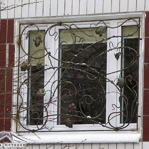 Решетка на окно кованая ХК-РО-8